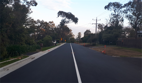 Two Bays Road completed road widening.png