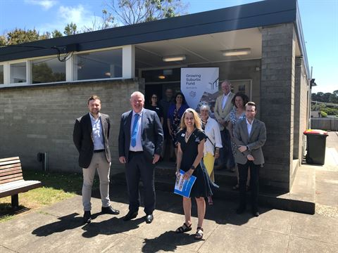Mornington Peninsula Shire Councillors, Chris Brayne and Minister for Local Government Shaun Leane.jpg