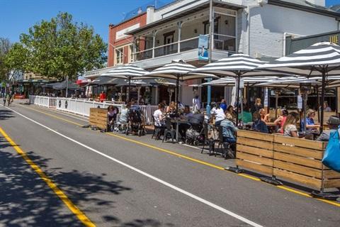 Outdoor dining - Main Street Mornington.jpg