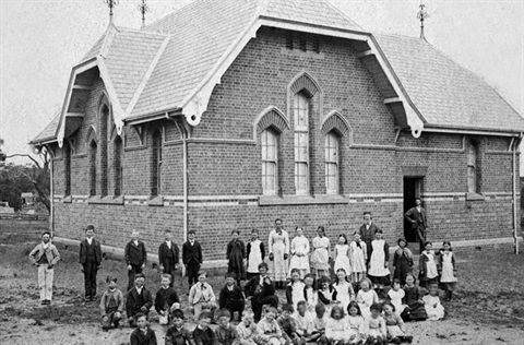 Mornington State School c1910.jpg